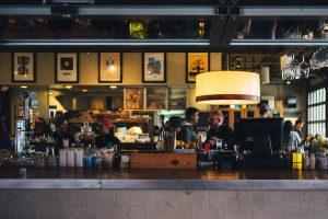 restaurant-690569_1920-300×200-2.jpg
